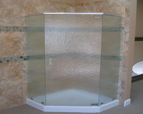 Paradise Glass and Mirror offers Neo-Angle Showers in Naples, FL