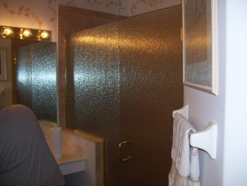 Paradise Glass and Mirror offers Door and Panel Showers in Port Royal, FL