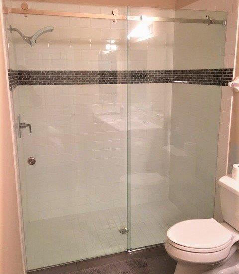 Paradise Glass and Mirror offers Serenity Showers in Port Royal, FL